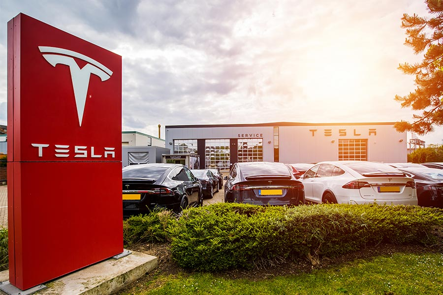 Tesla blocks staff from app which helps with workplace issues
