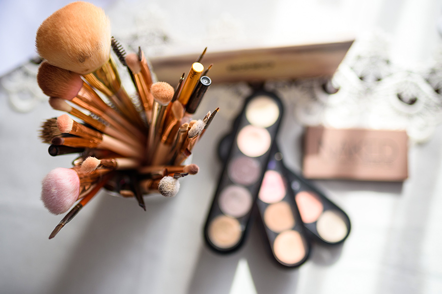 Can employers ask employees to wear makeup to work?