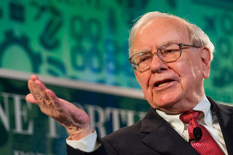 Warren Buffett: '3 things I look for in an employee'