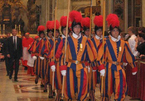 Pope sacks 'too strict' Swiss Guard chief