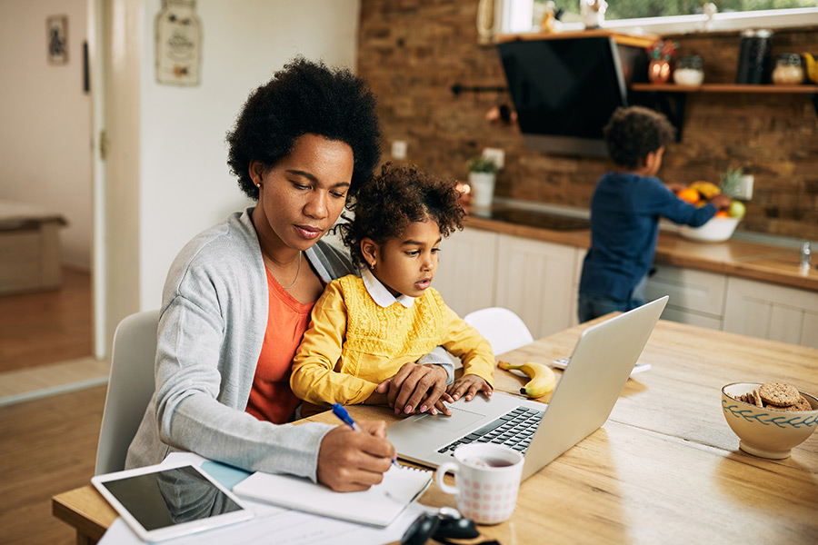 Working mums feel held back at work - here's how HR can help